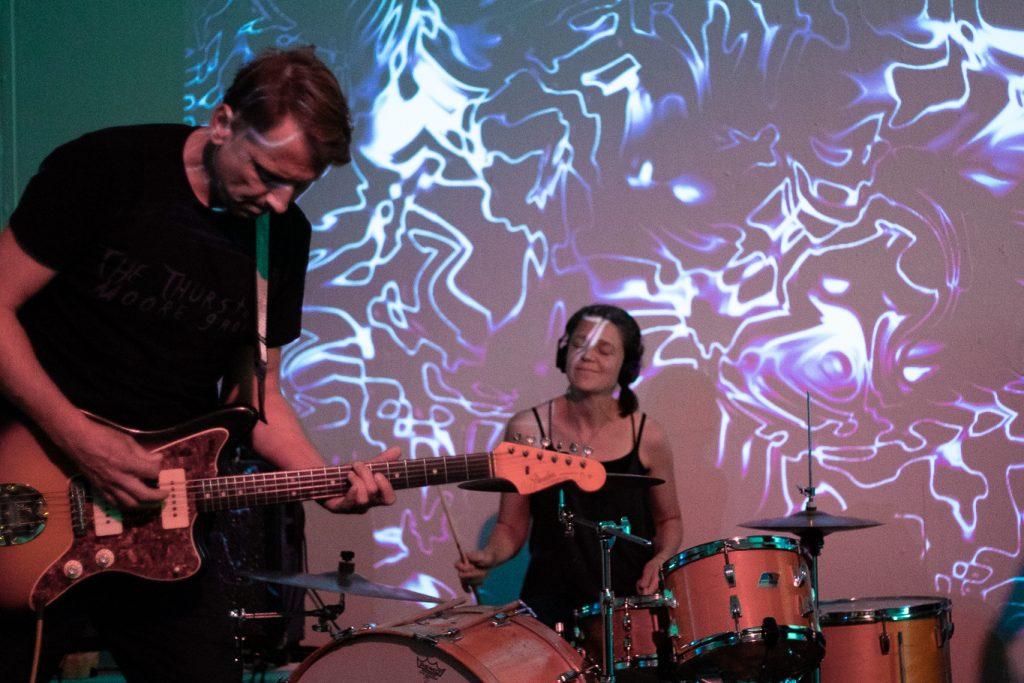 Concertverslag: HOWRAH in Roodkapje laat muziek voor zich spreken