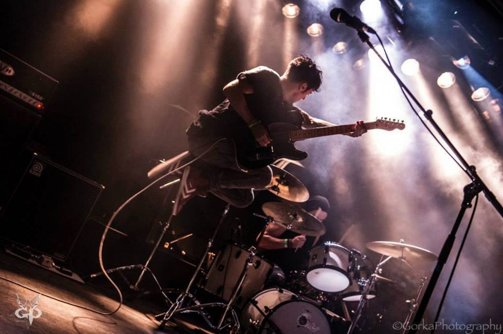 CHAOS stage op Streamsonic met James Kennedy, Annie Taylor, Dripping Trees en Oakman